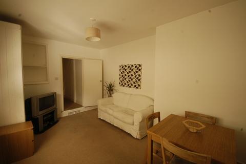 2 bedroom flat to rent - Penarth Road, Grangetown, Cardiff