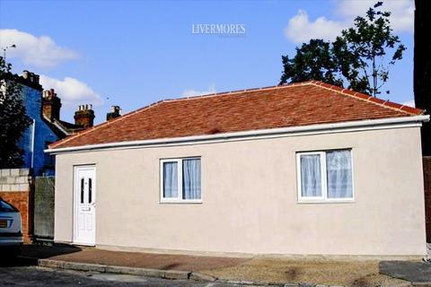 1 bedroom detached bungalow for sale - Waldeck Road, Dartford, Kent