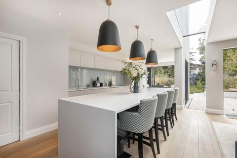 5 bedroom semi-detached house to rent - Emlyn Road W12