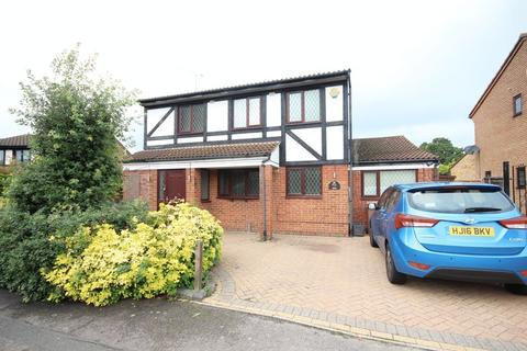 4 bedroom detached house to rent - Extended 4 bed detached in Wigmore - AVAILABLE NOW