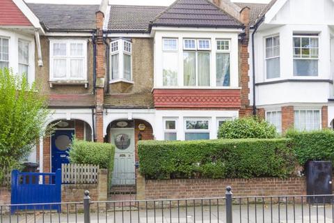 2 bedroom flat for sale - Priory Road, N8