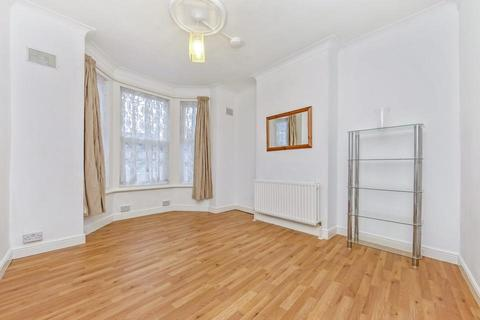 4 bedroom terraced house to rent - Conington Road, London SE13