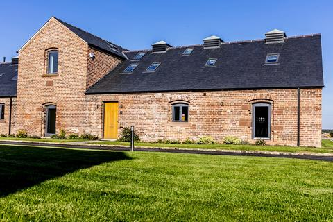 5 bedroom terraced house for sale - Chapelhouse Barns, Poulton, Chester, Cheshire, CH4
