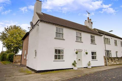 4 bedroom cottage for sale - 34 High Street, Elkesley, Retford