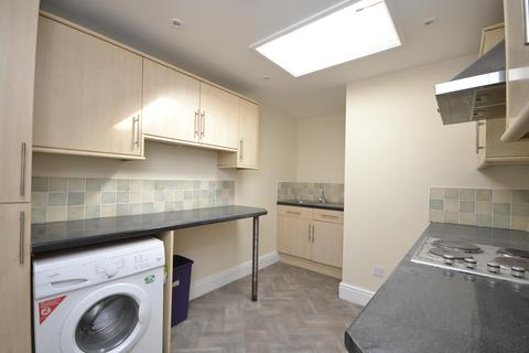 4 bedroom flat to rent - First Floor Flat, Gloucester Road, Bishopston, Bristol