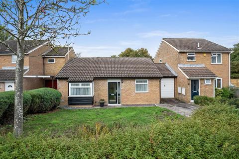 2 bedroom detached bungalow for sale - Postling, Ashford