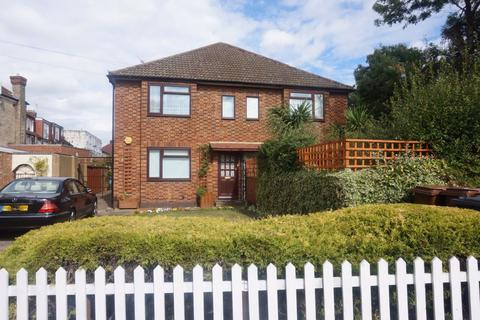 2 bedroom maisonette to rent - North Chingford