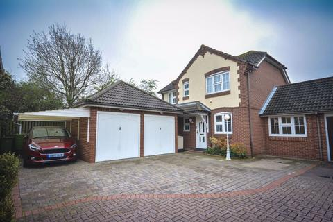 4 bedroom house to rent - Mallinson Close, Hornchurch