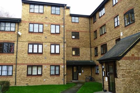 2 bedroom flat to rent - Trefoil House, Crest Avenue, Grays