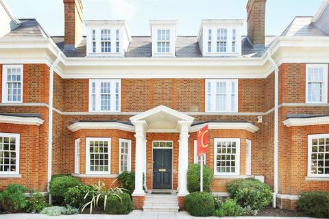 6 bedroom terraced house to rent - Redcliffe Gardens, Grove Park Road, Chiswick, W4