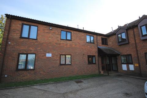 2 bedroom flat to rent - High Street, Flitwick, MK45