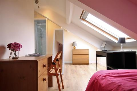 4 bedroom terraced house to rent - Stratford Road, Heaton