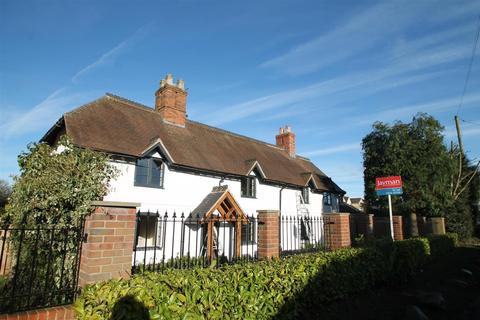 2 bedroom apartment to rent - Upper Way, Upper Longdon