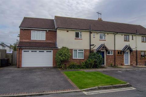 4 bedroom semi-detached house for sale - Manor Close, Hawarden, Hawarden