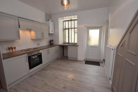 2 bedroom property to rent - Peel Street, Padiham,