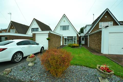 3 bedroom detached house for sale - Sickleholm Drive, Leicester