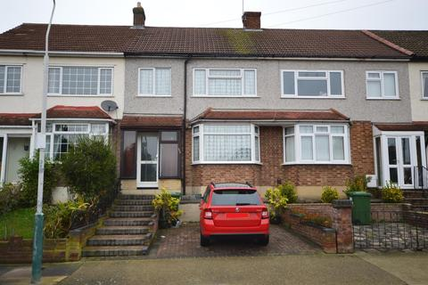 3 bedroom terraced house for sale - Highfield Road, Colier Row, Romford, RM5