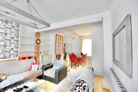 3 bedroom terraced house to rent - St. Albans Road, IG3