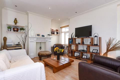 2 bedroom flat for sale - Sedgeford Road, Shepherd Bush
