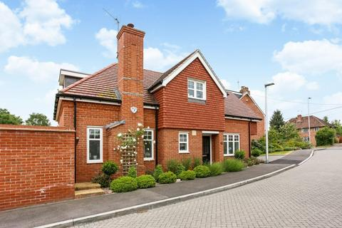2 bedroom detached house to rent - Saddlers Mews, Ascot