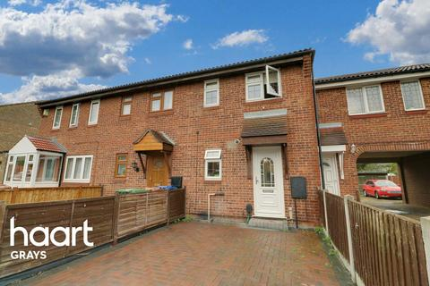 2 bedroom terraced house for sale - Thackeray Avenue, Tilbury, RM18