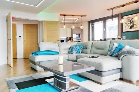 2 bedroom apartment for sale - Centenary Plaza, Holliday Street, Birmingham
