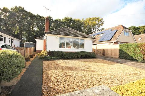 3 bedroom bungalow for sale - Keighley Avenue, Broadstone, Dorset, BH18