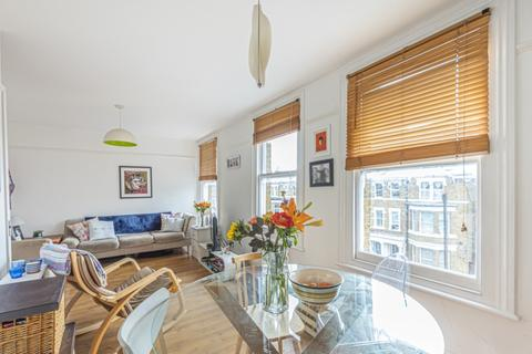 2 bedroom flat to rent - Montrell Road Streatham Hill SW2