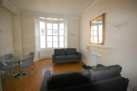 2 bedroom flat to rent - Gloucester Terrace, London W2