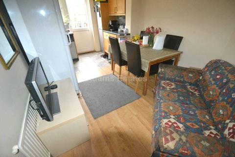 4 bedroom semi-detached house to rent - Stanhope Road, Reading