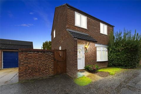 3 bedroom detached house for sale - Peggotty Close, Newlands Spring, Essex, CM1