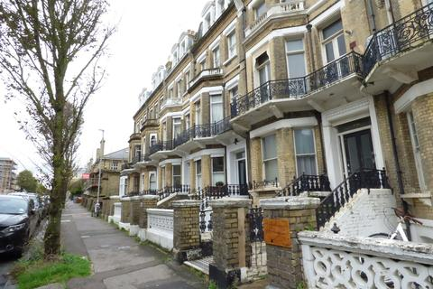 Studio to rent - First Avenue, Hove, BN3 2FF