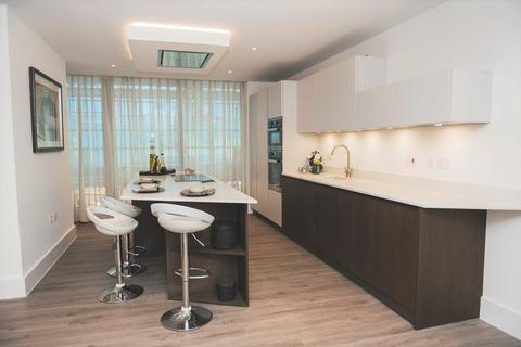 3 bedroom flat for sale - Salterns Way, Lilliput BH14
