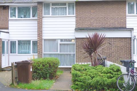 3 bedroom terraced house for sale - Clark Way, Heston, TW5
