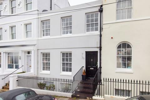 2 bedroom maisonette for sale - East Ascent, St. Leonards-on-sea, East Sussex. TN38 0DS
