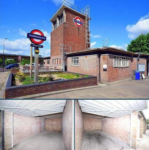 Garage to rent - Redbridge Lane East, Ilford, Essex. IG4