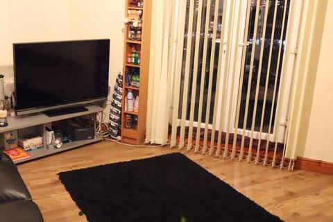 2 bedroom apartment to rent - WOODHOUSE STREET, Leeds, Hyde Park, WEST YORKSHIRE