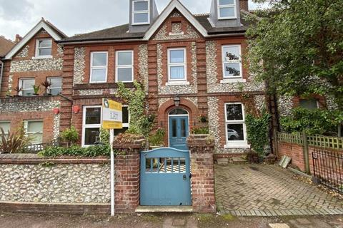 2 bedroom apartment to rent - Hartfield Road, Eastbourne