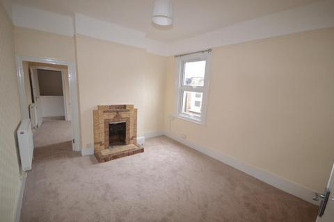 3 bedroom flat to rent - High Street North, East Ham, London, E6