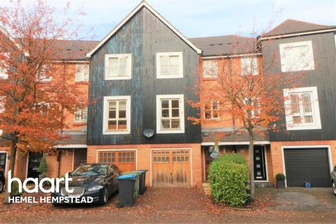 4 bedroom terraced house to rent - Imperial Way, Apsley Lock
