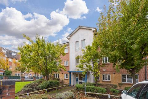 2 bedroom flat for sale - Courland Grove, Stockwell, London SW8