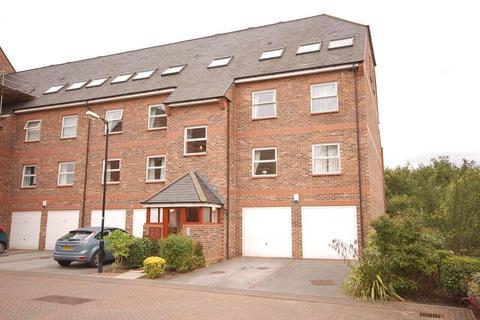 2 bedroom apartment to rent - Whitecross Gardens, Huntington Road