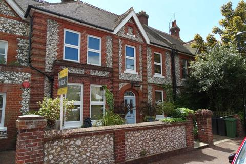 Studio to rent - Hartfield Road, Eastbourne