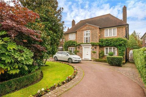 6 bedroom detached house - Winnington Road, London, N2