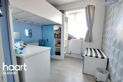 3 bedroom terraced house for sale - Grasmere Avenue Slough SL2