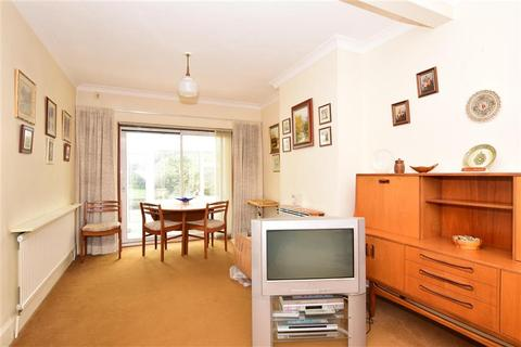 3 bedroom end of terrace house for sale - Tennyson Way, Hornchurch, Essex