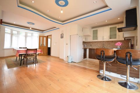 5 bedroom semi-detached house to rent - Moordown, Shooters Hill, SE18
