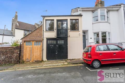 Studio to rent - Howard Terrace , Brighton, Brighton