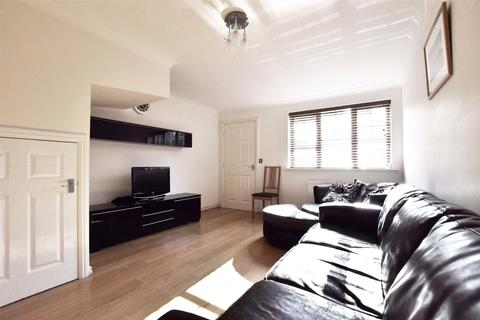 3 bedroom terraced house to rent - St James Village