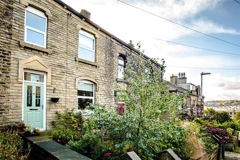3 bedroom terraced house for sale - Spark Street, Longwood, Huddersfield, West Yorkshire, HD3